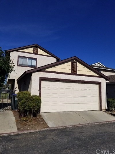 Single Family Home For Sale: 4842 Village Green Way