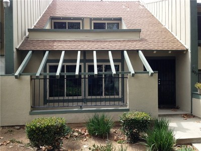 Corona Condo/Townhouse For Sale: 1403 Camelot Drive