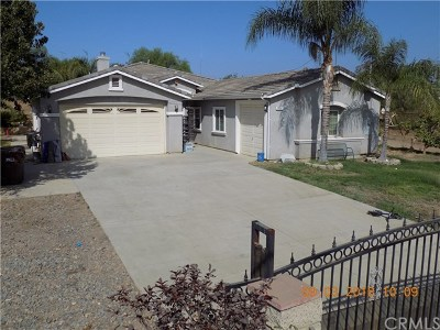 Perris Single Family Home For Sale: 20780 Fox Street