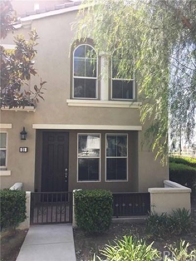 Fontana Condo/Townhouse For Sale: 15723 Parkhouse Drive #28