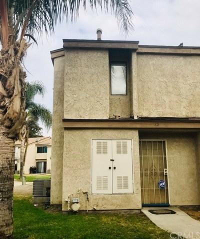 Colton Condo/Townhouse For Sale: 936 Fairway Drive #15