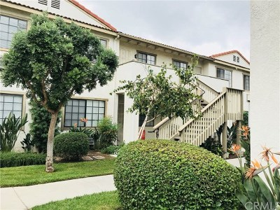 Garden Grove Condo/Townhouse For Sale: 8800 Garden Grove Boulevard #40