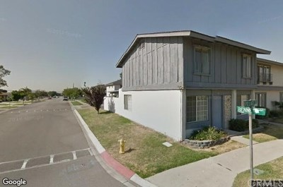 Fontana Condo/Townhouse For Sale: 16791 Village Lane #D