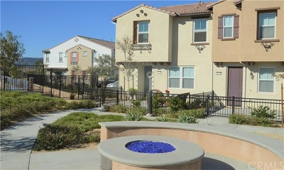 Murrieta Condo/Townhouse For Sale: 40426 Calle Real
