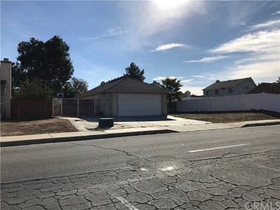 Moreno Valley Single Family Home For Sale: 25319 Santiago Drive