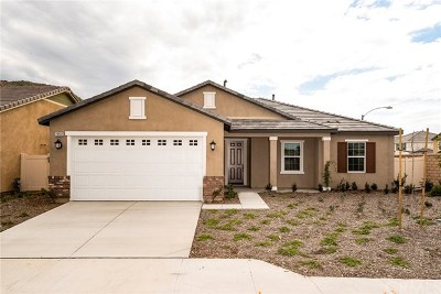 Moreno Valley Single Family Home For Sale: 28561 Yarow Way