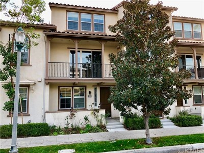 Azusa Condo/Townhouse For Sale: 810 E Promenade Avenue #B