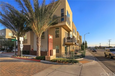 Upland Condo/Townhouse For Sale: 688 Central Avenue