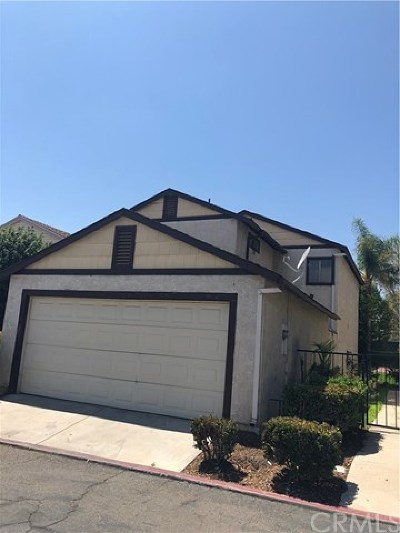 San Bernardino Single Family Home For Sale: 4842 Village Green Way