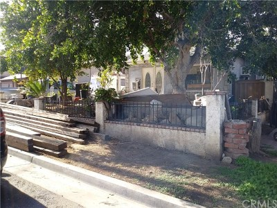 Corona Single Family Home Active Under Contract: 208 Violet Street