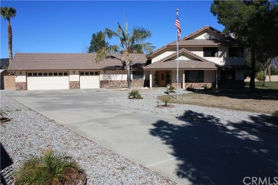 Hemet Single Family Home For Sale: 26455 Lore Heights Ct.
