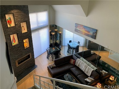 Huntington Beach Condo/Townhouse For Sale: 200 Pacific Coast Highway #328