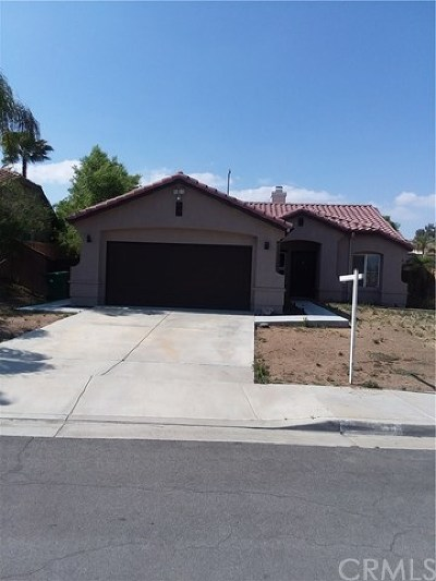 Menifee Single Family Home For Sale: 25106 Wooden Gate Drive