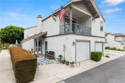 La Habra Condo/Townhouse For Sale: 891 W Country #43