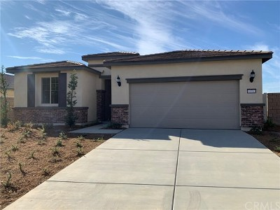 Menifee Single Family Home For Sale: 31713 Pewter Court