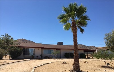 Joshua Tree Single Family Home For Sale: 60219 Latham
