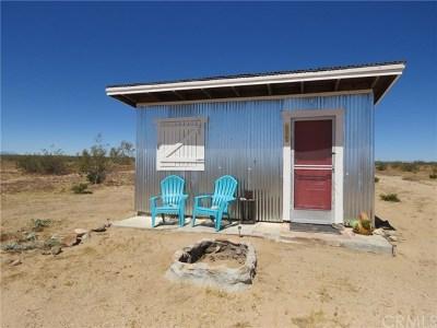 Joshua Tree Single Family Home For Sale: 971 Center Street