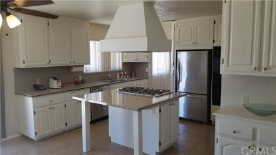Yucca Valley Single Family Home For Sale: 58740 Arcadia