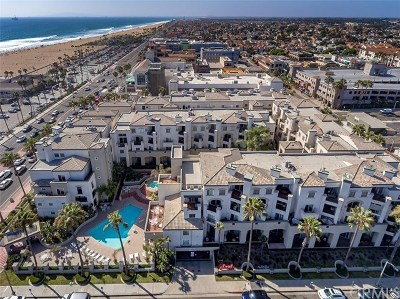 Huntington Beach Condo/Townhouse For Sale: 200 Pacific Coast Highway #114