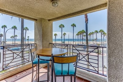 Huntington Beach Condo/Townhouse For Sale: 200 Pacific Coast Highway #M40