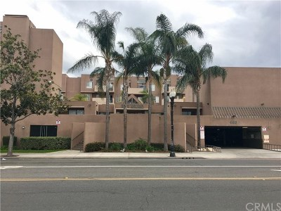 Santa Ana Condo/Townhouse For Sale: 450 E 4th Street #134