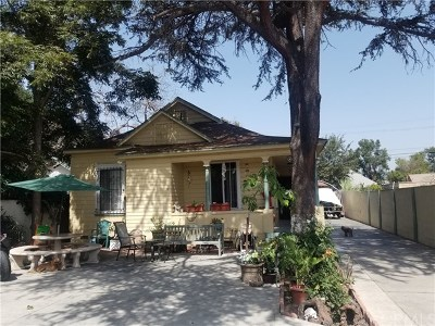 Los Angeles Single Family Home For Sale: 697 E 41st Place