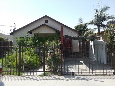 Los Angeles Single Family Home For Sale: 9705 Maie Avenue