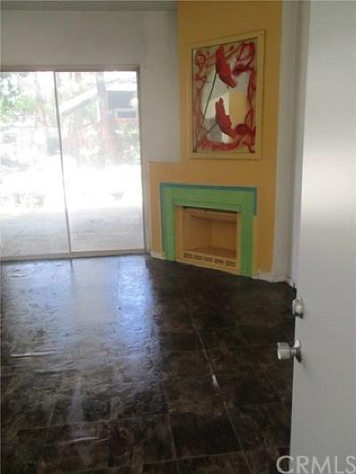 Costa Mesa Condo/Townhouse For Sale: 740 Wesleyan Bay #1
