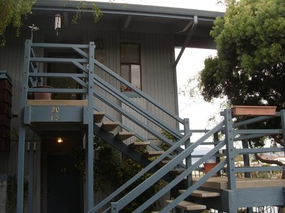 Salinas Condo/Townhouse Active Under Contract: 166 Kern Street #20