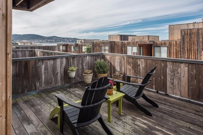Monterey Condo/Townhouse For Sale: 125 Surf Way #332