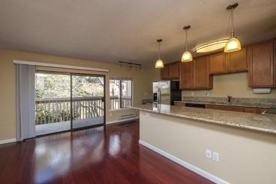 Monterey Condo/Townhouse For Sale: 300 Glenwood Circle #286
