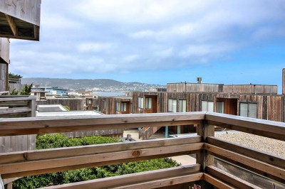 Monterey Condo/Townhouse For Sale: 125 Surf Way #328