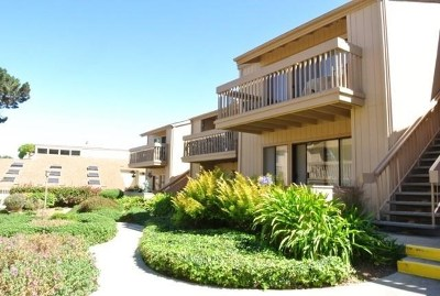 Monterey Condo/Townhouse For Sale: 300 Glenwood Circle #258