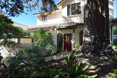 Pacific Grove Single Family Home For Sale: 220 Forest Park Court