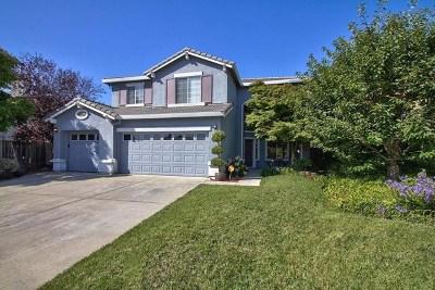 Salinas Single Family Home For Sale: 33 Whitman Circle