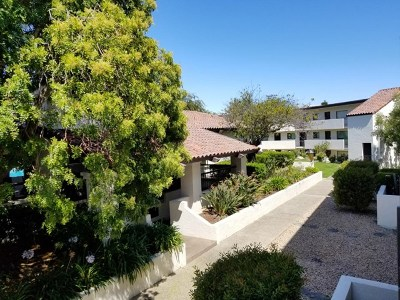 Monterey Condo/Townhouse For Sale: 500 Glenwood Circle #422