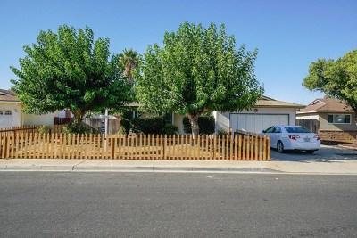 Clovis Single Family Home For Sale: 901 Holland Avenue