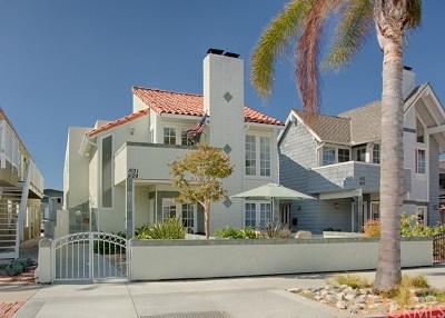 Condo/Townhouse For Sale: 1631 E Balboa Boulevard #2