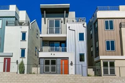 Costa Mesa Condo/Townhouse For Sale: 993 Somerton Drive