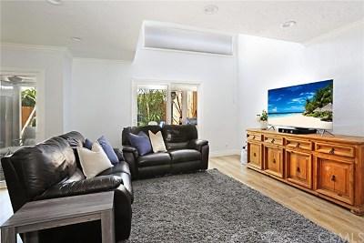 Irvine Condo/Townhouse For Sale: 5218 Walnut Avenue #5