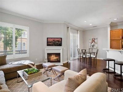 Santa Ana Condo/Townhouse For Sale: 3401 S Main Street #J