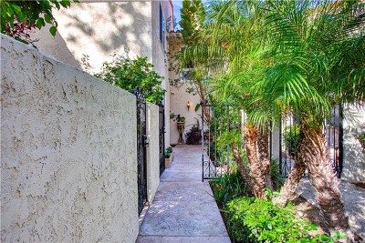 Newport Beach Condo/Townhouse For Sale: 2753 Vista Umbrosa