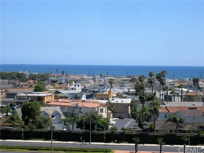 Newport Beach Condo/Townhouse For Sale: 200 Paris Lane #212