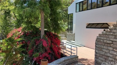 Sherman Oaks Single Family Home For Sale: 14818 Round Valley Drive