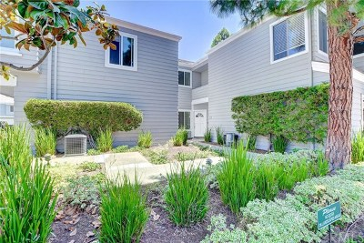 Newport Beach Condo/Townhouse For Sale: 132 Westport