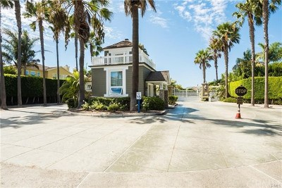 Huntington Beach Condo/Townhouse For Sale: 6252 Seabourne Drive #48