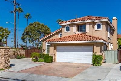 Santa Ana Single Family Home For Sale: 417 Summer Lane