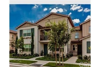 Irvine Condo/Townhouse For Sale: 142 Rose Arch