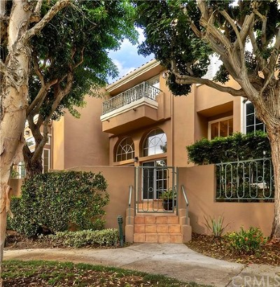 Huntington Beach Condo/Townhouse For Sale: 19236 Coldstream Lane