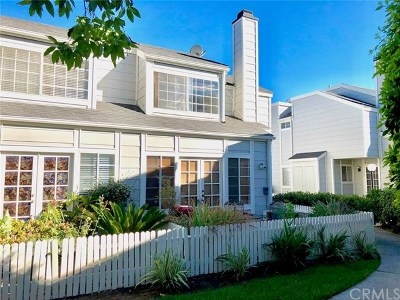 Fullerton Condo/Townhouse For Sale: 2340 W Orangethorpe Avenue #21